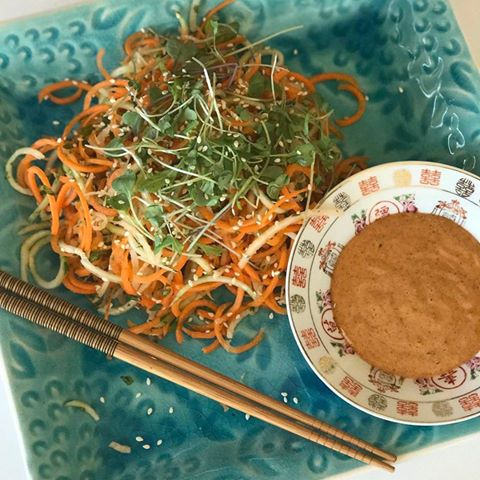Raw Pad Thai Salad with Spicy Almond Sauce